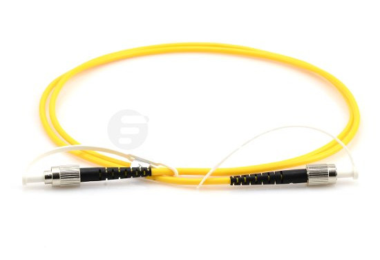 polarization maintaining (PM) fiber patch cable