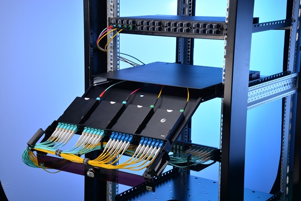 FS slide-out 1U rack mount FHD fiber optic enclosure interior structure in data center application
